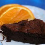 Il club dell'olmo, Manuela e la torta fondente al cioccolato